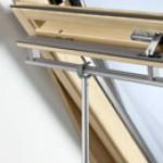 Bedieningsstok tbv tuimelvenster en raamdecoratie